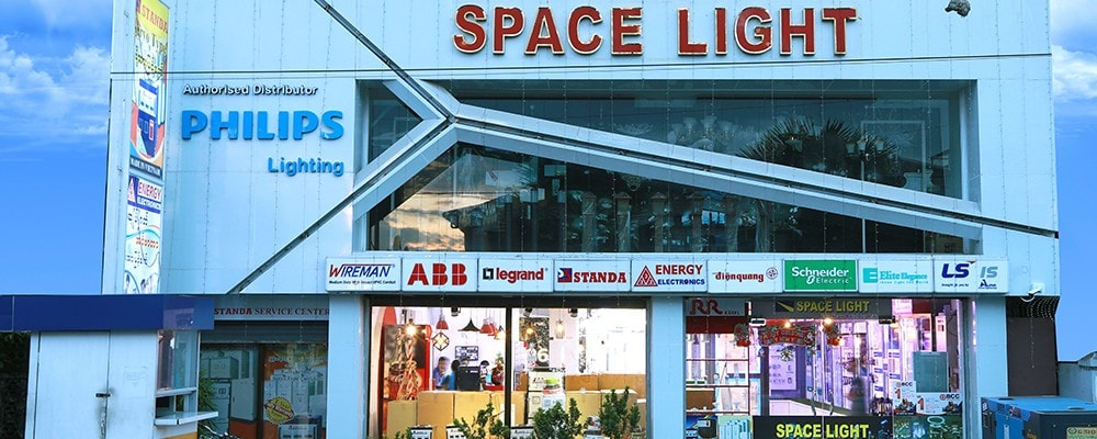 Space-Light-Showroom
